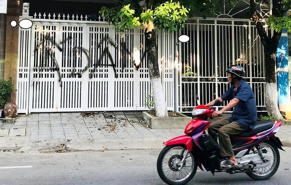 Ném chất bẩn, xịt sơn nhà ông Linh: Đà Nẵng nhắc người dân không quá khích - Ảnh 1.