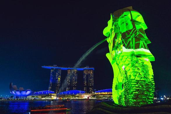 Lễ hội Singapore đầu tiên tại Việt Nam thu hút hàng ngàn người dân phía Bắc - Ảnh 4.