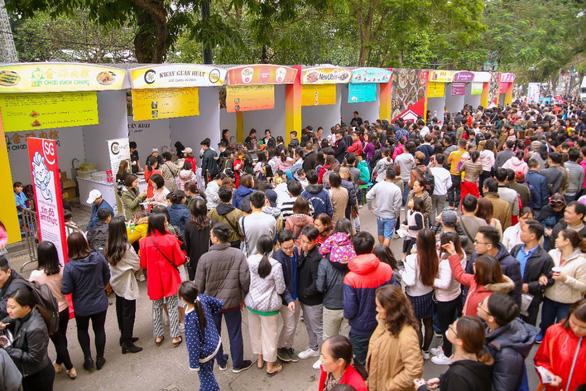 Lễ hội Singapore đầu tiên tại Việt Nam thu hút hàng ngàn người dân phía Bắc - Ảnh 6.