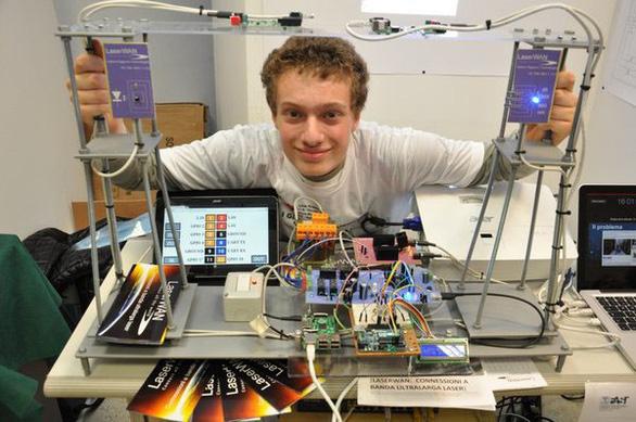 Valerio Pagliarino - người truyền tải Internet tốc độ cao bằng laser - Ảnh 1.
