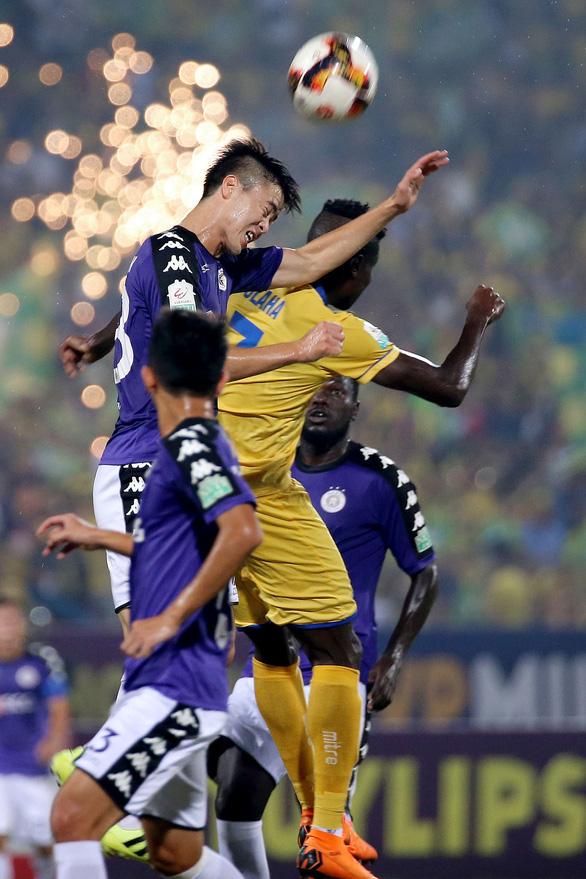 Sân Hàng Đẫy: Thủng lưới 4 lần, Sông Lam Nghệ An thua tan nát - Ảnh 2.