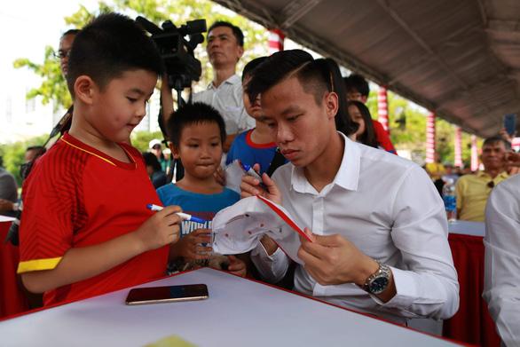 Cựu tuyển thủ Nguyễn Thế Anh mở Học viện Bóng đá Sài Gòn - Ảnh 2.
