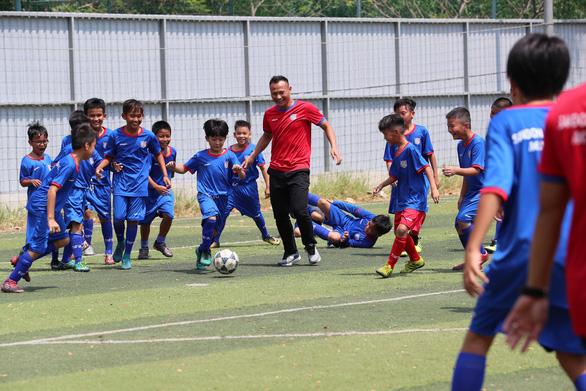 Cựu tuyển thủ Nguyễn Thế Anh mở Học viện Bóng đá Sài Gòn - Ảnh 3.