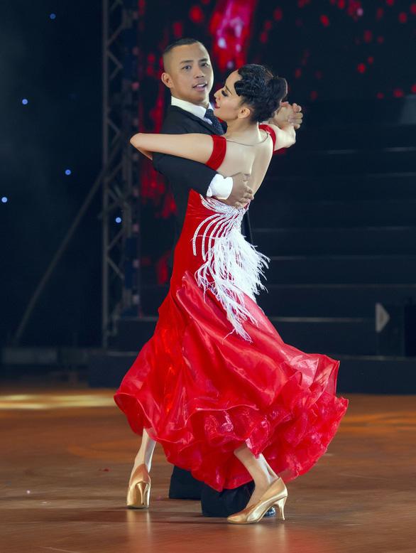 Cặp đôi vàng khiêu vũ thể thao Chí Anh - Khánh Thi: Không còn yêu, vẫn mãi là bạn tốt - Ảnh 1.