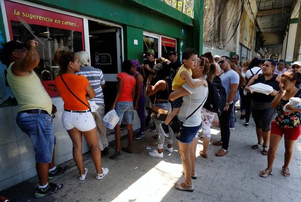 Cuba giảm trang báo vì thiếu giấy - Ảnh 1.