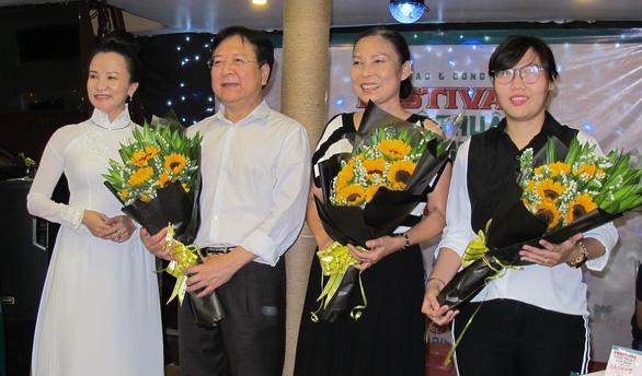 Trình diễn nghệ thuật dân gian ba miền trên phố đi bộ Nguyễn Huệ - Ảnh 3.