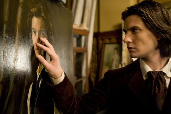 Bức họa Dorian Gray: ma quái, lãng mạn và đầy ám ảnh - Ảnh 2.