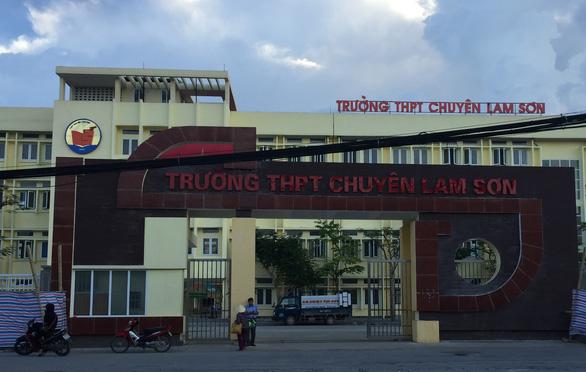 Phạt trường chuyên Lam Sơn vì dạy thêm không phép - Ảnh 1.