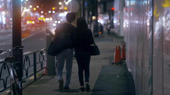 Nhật báo động tình trạng  25% người trưởng thành vẫn còn trinh - Ảnh 1.