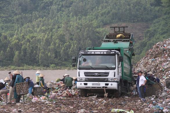 30 năm ăn rác quá mỏi mệt, dân cần được hít thở, không cần lời hứa - Ảnh 2.