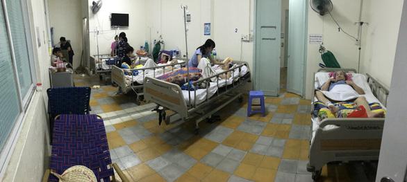 Vụ thu người nuôi bệnh 30.000 đồng/ngày: Ngưng thu tiền  - Ảnh 2.