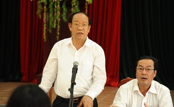 Chủ tịch tỉnh Quảng Nam dừng họp để tiếp dân vụ mua đất không được cấp sổ đỏ - Ảnh 3.