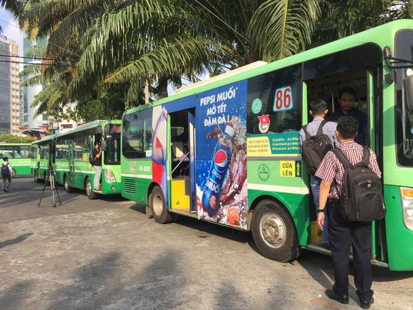 Từ 1-5, xe buýt TP.HCM tăng giá vé - Ảnh 1.