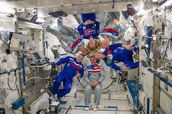 Vi khuẩn tấn công Trạm không gian quốc tế - Ảnh 1.