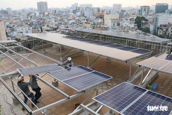 Hơn 1.300 khách hàng tại TP.HCM đã lắp điện mặt trời - Ảnh 1.