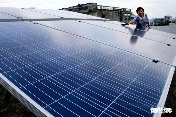 Hơn 1.300 khách hàng tại TP.HCM đã lắp điện mặt trời - Ảnh 2.