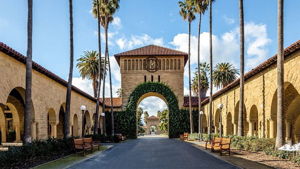 Đại học Stanford đuổi nữ sinh đậu nhờ cha mẹ chạy trường 500.000 USD - Ảnh 1.