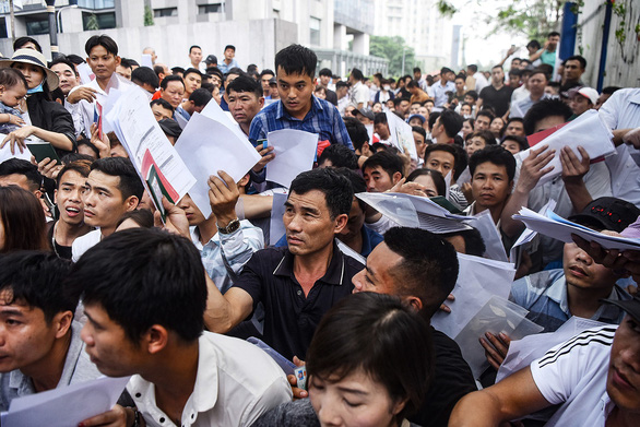 Hàng ngàn người Việt xin visa cùng lúc, Sứ quán Hàn Quốc nói gì? - Ảnh 1.