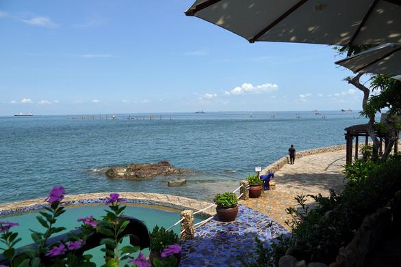 Khách tố resort chém 150.000 đồng/trái dừa, resort nói giá đã niêm yết - Ảnh 3.