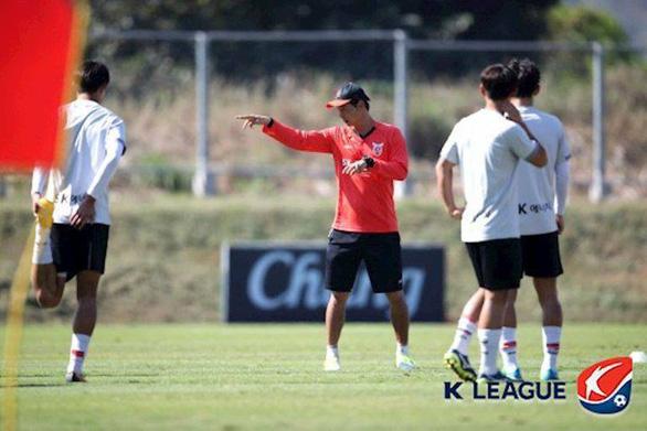 HLV Park Hang Seo có thêm một trợ lý người Hàn Quốc - Ảnh 1.