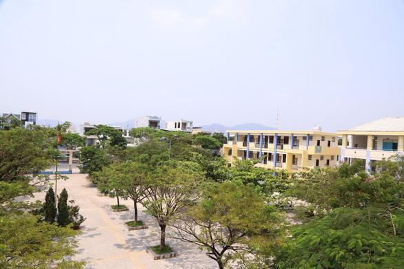 Ngôi trường dựng lên sau thảm họa bão Chanchu - Ảnh 4.