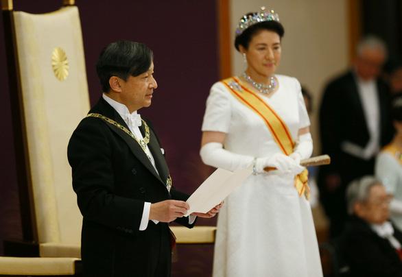 Tân Nhật hoàng: Sẽ luôn hướng suy nghĩ của mình tới người dân - Ảnh 3.