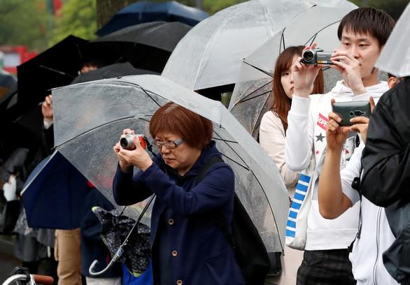 Người trẻ Nhật: Vương triều mới mang cho tôi nhiều hi vọng - Ảnh 1.