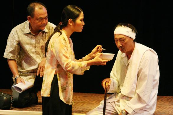 Nghệ sĩ Lê Bình qua đời sau một năm trị bệnh ung thư - Ảnh 2.