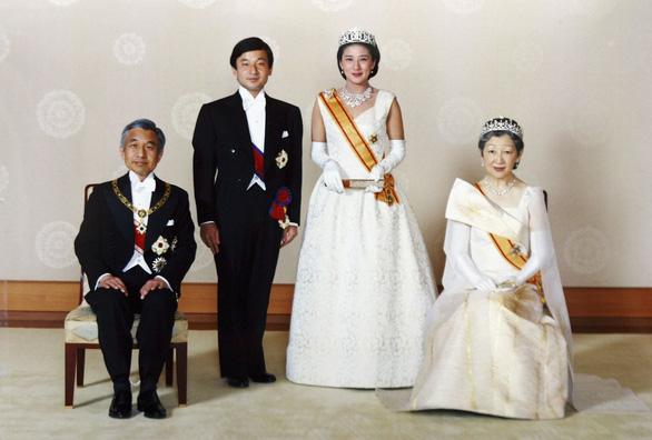 Tân Nhật hoàng Naruhito từng chờ đợi 6 năm để lấy được người mình yêu - Ảnh 4.