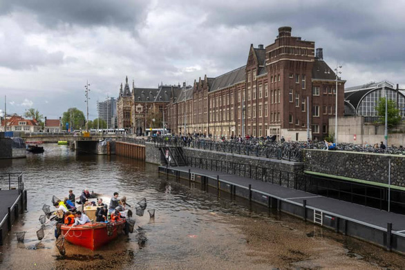 Đức theo Na Uy cấm xuất khẩu rác thải nhựa bẩn - Ảnh 1.