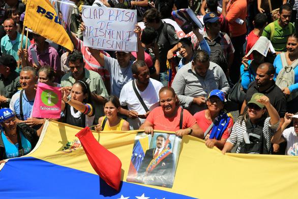 Washington nói Tổng thống Venezuela suýt rời đi tị nạn ở Cuba - Ảnh 3.