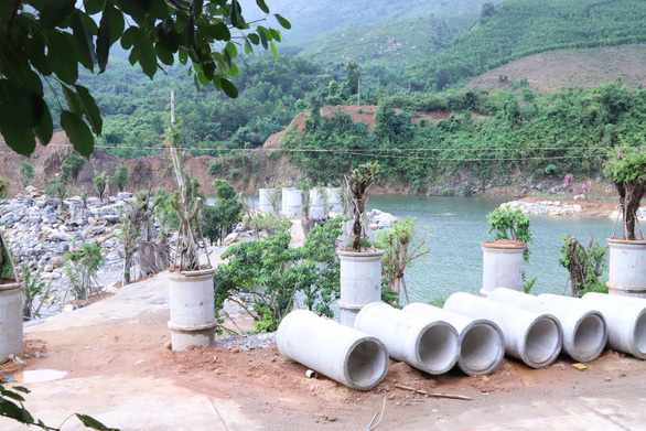 Đà Nẵng phạt, buộc dừng thi công dự án công viên suối khoáng nóng Núi Thần Tài - Ảnh 1.