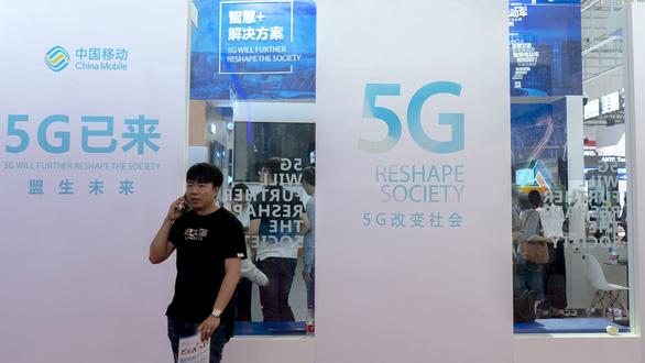 Trung Quốc chỉ trích Mỹ 'ép buộc vô lý' khi cấm China Mobile - Ảnh 1.