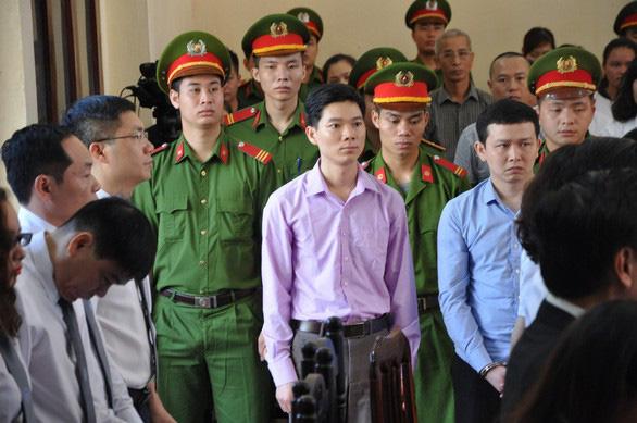 Bộ Y tế lên tiếng kêu oan cho bác sĩ Hoàng Công Lương - Ảnh 1.