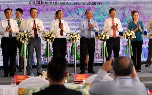 Thủ tướng cắt băng khai trương 3 đường bay đến Hải Phòng - Ảnh 1.