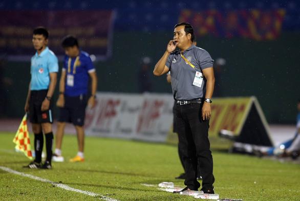 HLV trưởng Bình Dương không dám xem 5 phút cuối trận đấu với Sài Gòn - Ảnh 4.