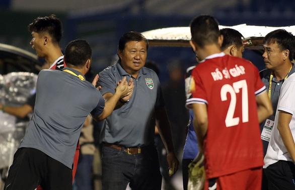 HLV trưởng Bình Dương không dám xem 5 phút cuối trận đấu với Sài Gòn - Ảnh 3.