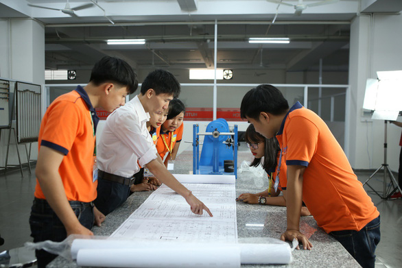 HUTECH đào tạo logistics và quản lý chuỗi cung ứng - Ảnh 1.