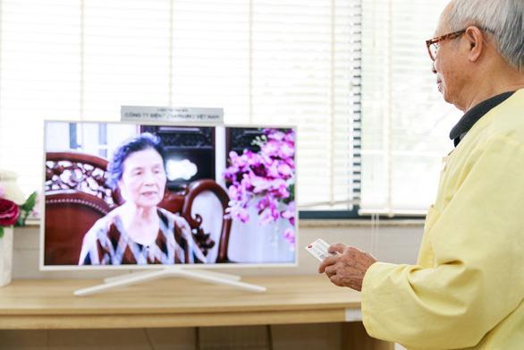 Samsung mang niềm vui đến giường bệnh cho người già - Ảnh 7.