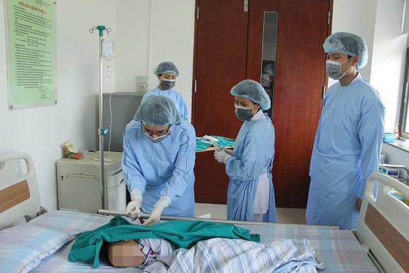 Bệnh nhân tan máu bẩm sinh phải truyền máu định kỳ - Ảnh 1.
