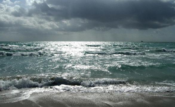 Phun nước biển tạo mây giữ băng hai cực - Ảnh 2.