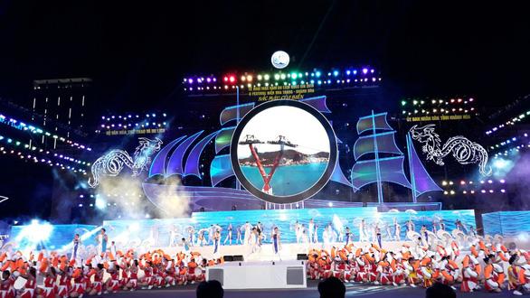 Festival biển Nha Trang: Rực rỡ sắc màu của biển - Ảnh 1.