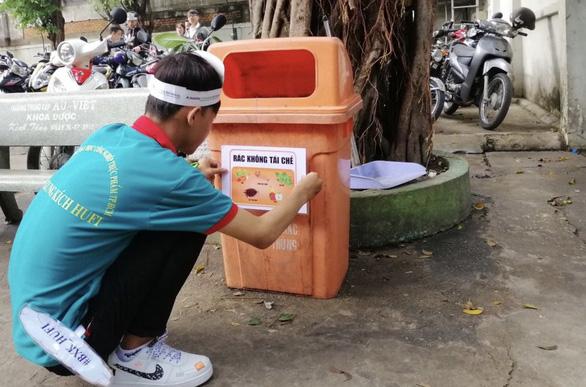Sinh viên TP.HCM cam kết thấy rác nhặt ngay, không dùng ly nhựa - Ảnh 3.