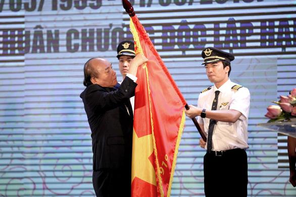 Đoàn bay 919 đón nhận Huân chương Độc lập hạng nhì - Ảnh 1.