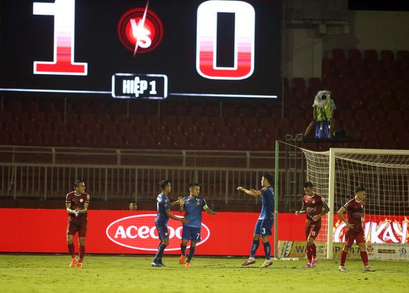 Không thắng Quảng Nam, CLB TP.HCM vẫn tiếp tục dẫn đầu V-League 2019 - Ảnh 3.