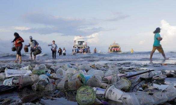 LHQ ra thỏa ước mới cho các nước từ chối rác nhựa mạnh tay hơn - Ảnh 1.