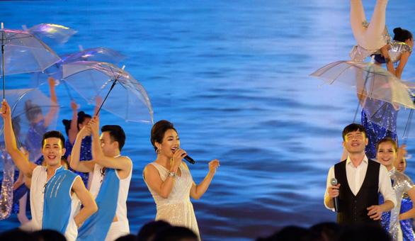 Festival biển Nha Trang: Rực rỡ sắc màu của biển - Ảnh 3.