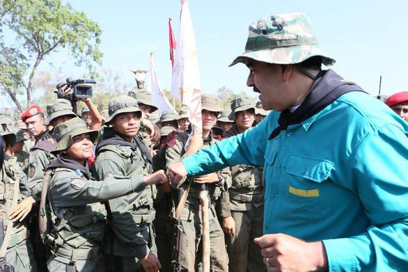 Lãnh đạo đối lập Venezuela đòi móc nối với quân đội Mỹ - Ảnh 2.