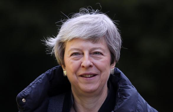 Thủ tướng Theresa May là vướng mắc lớn nhất của Brexit - Ảnh 2.