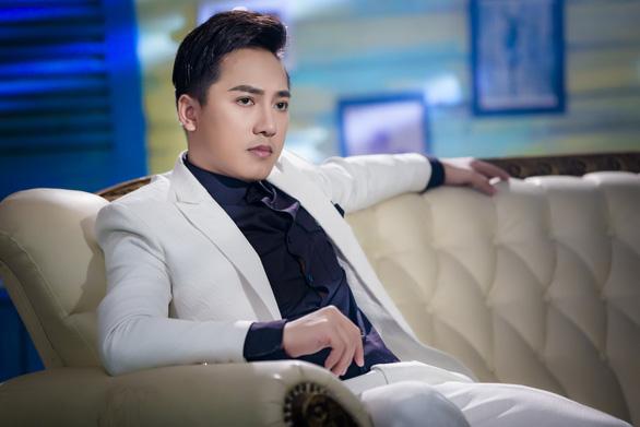 Châu Khải Phong úp mở về MV mới - Ảnh 1.